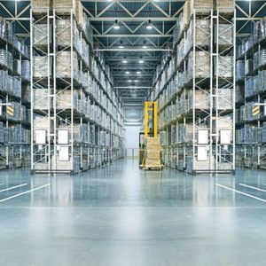 Finding the right shelving systems for your warehouses is not always easy. We show which types there are and what you should pay attention before you buy one!