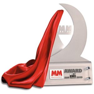 MM Maschinenmarkt presents award at EMO Hannover