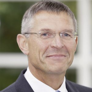 Dr. Wilhelm Otten will leave Evonik on December 31, 2019.