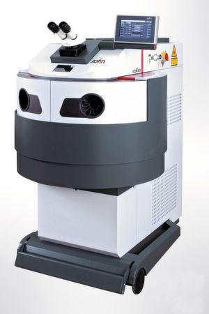 Select Fiber is a universal manual welding laser for precise CNC welding with manual or semi-automatic assembly. It is equipped with a servo-controlled axis system, CNC and now also with a fiber laser.