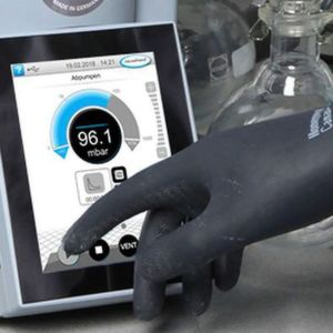 The Touch-screen can be operated with safety gloves.