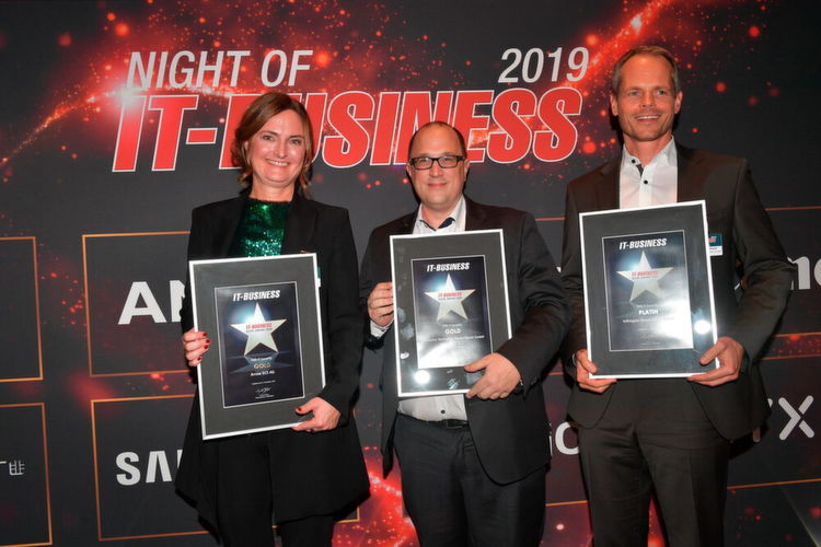 Kategorie VAD IT-Security: (v. l.) Susanne Endress (Arrow ECS/Gold), Florian Zink (Exclusive Networks/Gold) und Andreas Bechtold