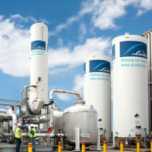 Linde's new carbon dioxide plant will recycle the crude CO2 supplied from the Meglobal process in Texas.