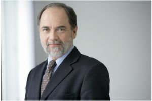 "Dr. Joseph Reger ist seit 2002 als Chief Technology Officer bei Fujitsu Technology Solutions: ""Die Revolution in der IT ist ein Fakt."""