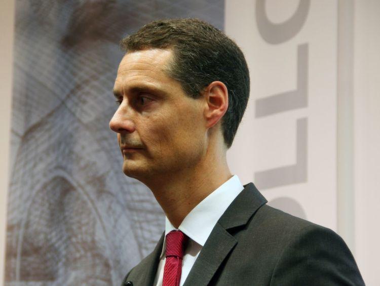 Wie Dr Ing Michael Zürn Von Daimler Beschreibt Liegen Die