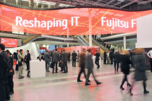 "Das Motto der Fujitsu-Messe lautete ""Re-Shaping IT""."