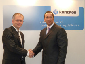 v.l. Dirk Finstel, CTO, Kontron, beim Handshake mit Gerd Lammers, CEO Real-Time Systems. (Real-Time Systems)