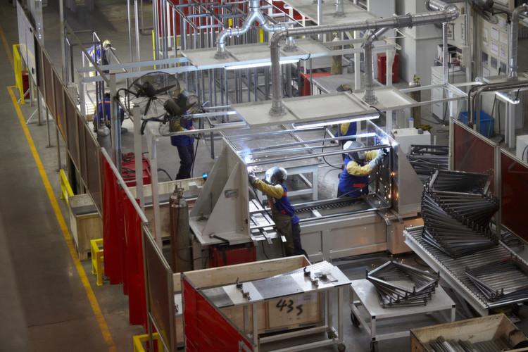 Blick in das Shanghaier Werk von Rittal in dem Schaltschränke für ...