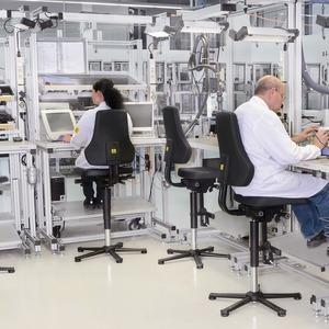 bosch rexroth ergonomische arbeitsplatz und. Black Bedroom Furniture Sets. Home Design Ideas
