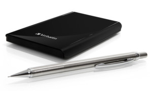 Verbatims Store n Go Ultra Slim Portable Hard Drive ist 10,5 Millimeter hoch.