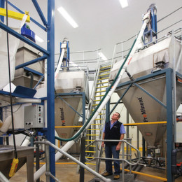 Bulk Bag Unloading System contains Toxic Dust in Fluoridation Plants