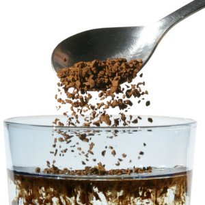 Instant coffee is a typical agglomeration product from the fluid bed.