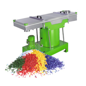 The Fuchs Siftomat plansifter separates granules with a high precision.