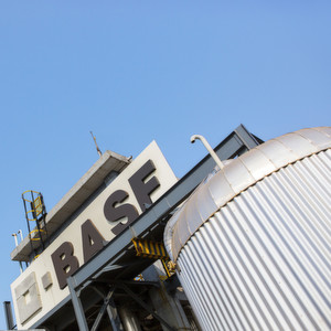 BASF will further optimize its paper chemicals portfolio.