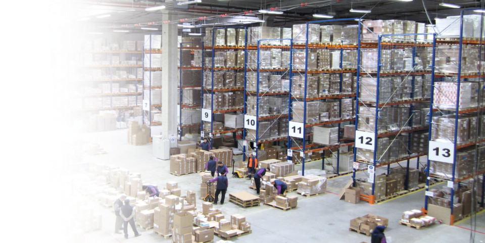 Viw of the distribution center. By allowing major manufacturing companies to comply with the new regulations, Antares Vision has helped to minimize problems both during the installation of the systems and subsequently in full production.