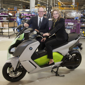Start der Serienproduktion des Elektro-Scooters BMW C evolution in Berlin