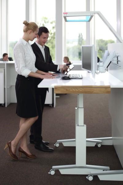 Die Optimale Tischhöhe Ist Individuell Motorisch Einstellbar Der