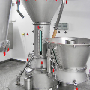 The capacity of the AGT Pilot-System varies between 10 and 150 kg/batch or 5 to 50 kg/h continuously.