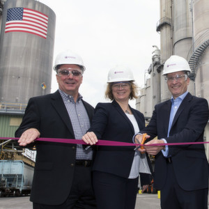 Participating in the 20,000 metric ton precipitated silica expansion in Chester were (left to right) Art Dube, business director, tire & rubber/ performance solutions for Evonik in North America; Dr. Heidi Groen, head of global production for Evonik's Inorganic Materials Business Unit; Andreas Fischer, head of Evonik's Silica Business Line; David Elliott, manufacturing director at Evonik's precipitated silica plant in Chester; and Dr. Rainer Hahn, Evonik vice president silica in North America.