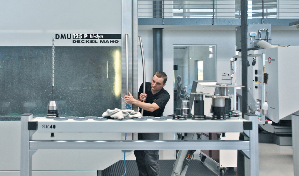New customers in the mould making sector triggered a growth spurt and made 5-axis simultaneous milling a must.