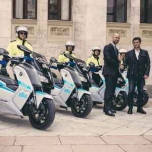 BMW stattet Polizei von Sardinien aus
