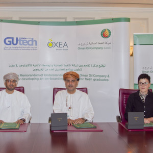 Dr. Hussein Al Salmi, Deputy Rector of Administrative and Financial Affairs from GUtech. Mr. Isam Al Zadjali, CEO of Oman Oil Company, and Dr. Martina Flöel, spokesperson of Oxea's Executive Board (LTR)