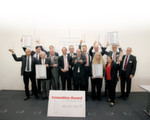 We are the champions: Group shot of the winners of the eight categories of the Innovation Awards.