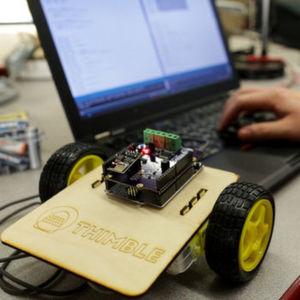 Kickstarter-Projekt Thimble: Monatlich neue geführte Tutorials und Bausatzteile für Raspberry-Pi-basierte Gadgets.