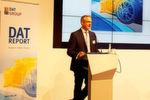 Martin Endlein, Leiter der DAT-Unternehmenskommunikation, gab einen Einblick in die Vielfalt der Fakten, die der DAT-Report bietet.