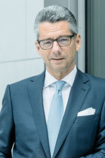"Ulrich Grillo, President of the Federal Association of German Industry (BDI): ""We consider the doubling of our exports from the current approx. 2.4 billion in the coming five years to be realistic."""