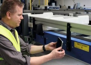 Beumer Group increases efficiency and safety of your baggage handling systems by using tablet computers.